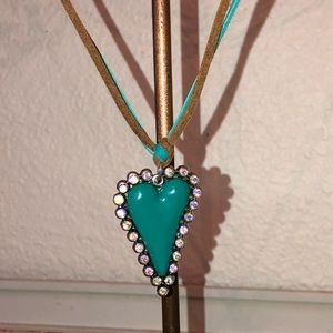 TURQUOISE HEART & AURORA CRYSTAL LEATHER NECKLACE
